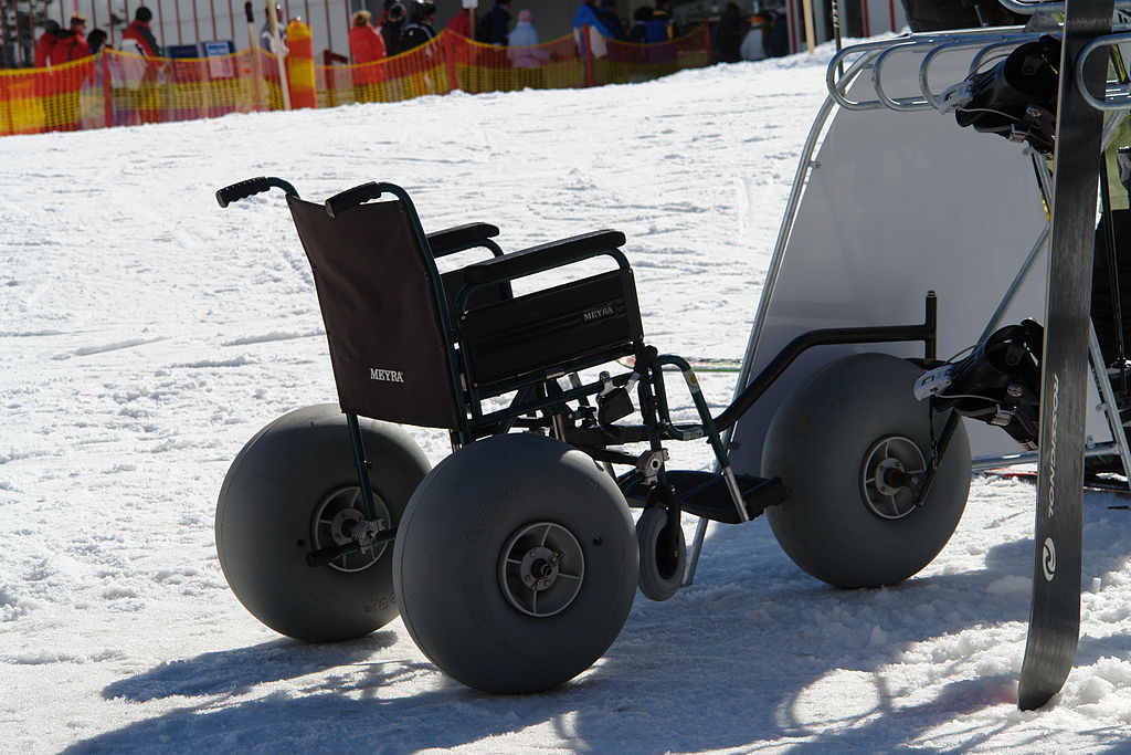 Snow_wheelchair