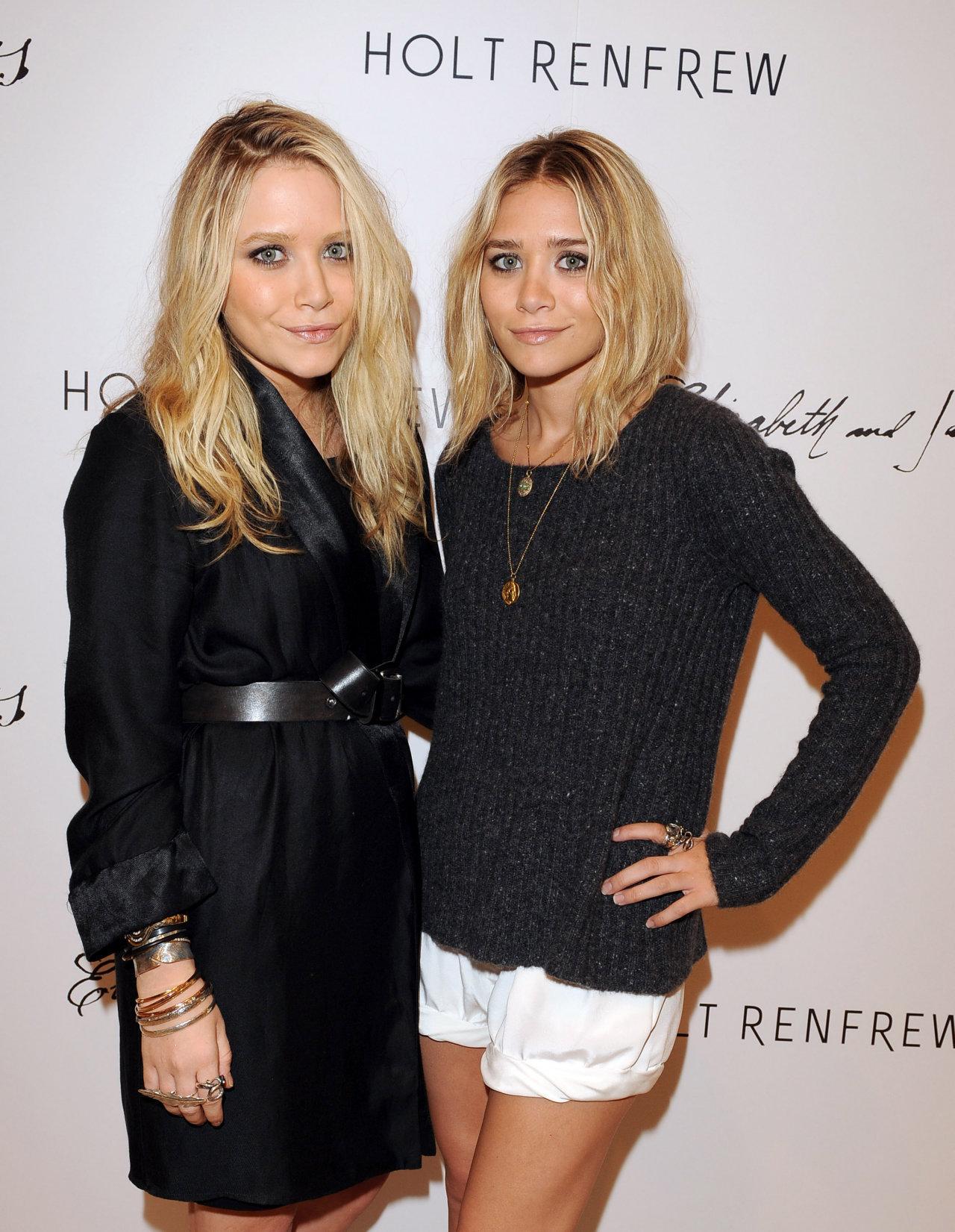 Olsen-Twins-mary-kate-and-ashley-olsen-17173254-1280-1651